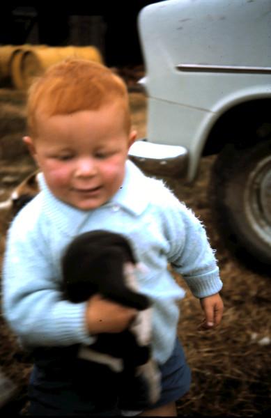 1965-4-4 (14) David 16 mths.JPG