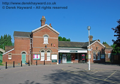 Lingfield Station