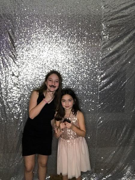 Hannah_and_Sophie_COHEN_1116_photo_37.jpg