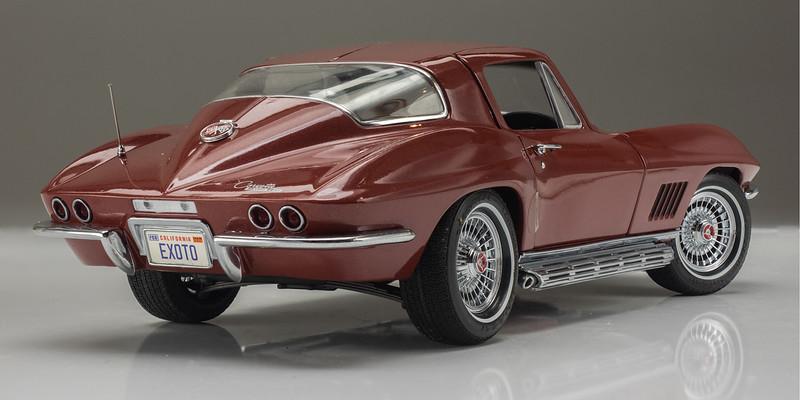 Exoto 1967 Corvette Coupe