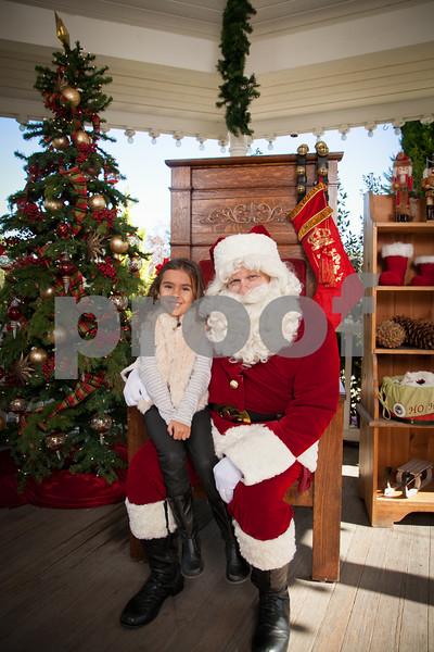 Rogers Gardens 2014 Santa Photos