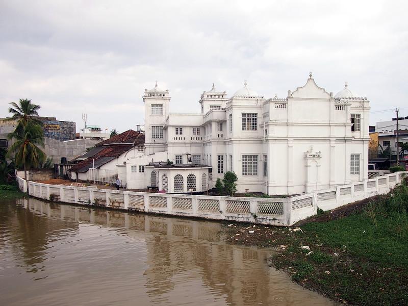 P2178624-river-mosque.JPG