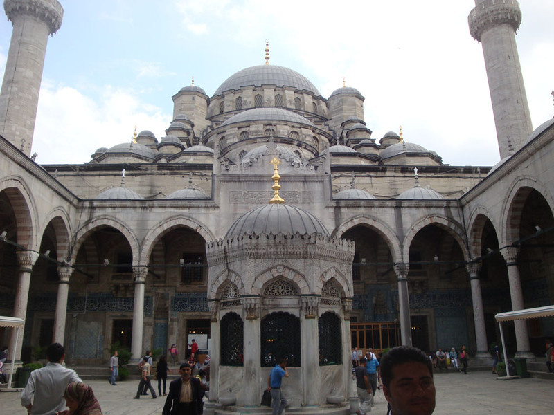 Yeni Mosque interior.JPG