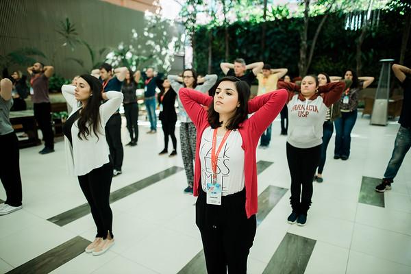 Dia 6 - Sexta-feira - Yoga