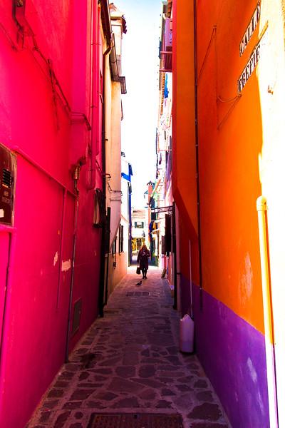burano alleyway-2.jpg