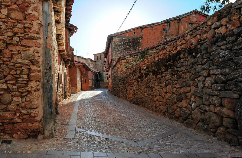 KCMB catalanazor village 2000-70-1192.jpg