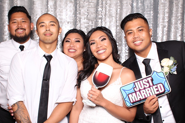 Hollyann & Justin Wedding Photo Booth