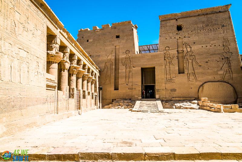 Philae-Temple-04012-16.jpg