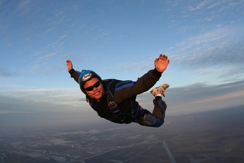 100th skydive craig knudsen dec 2009-20.JPG