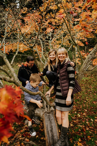 Holding Gallery -Lipsky family