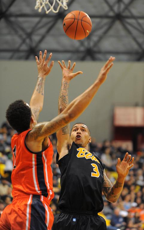 . LONG BEACH - 02/13/13 - (Photo: Scott Varley, Los Angeles Newspaper Group)  LBSU vs Fullerton men\'s basketball. 2nd half. LBSU won 85-65. LBSU\'s Keala King shoots.