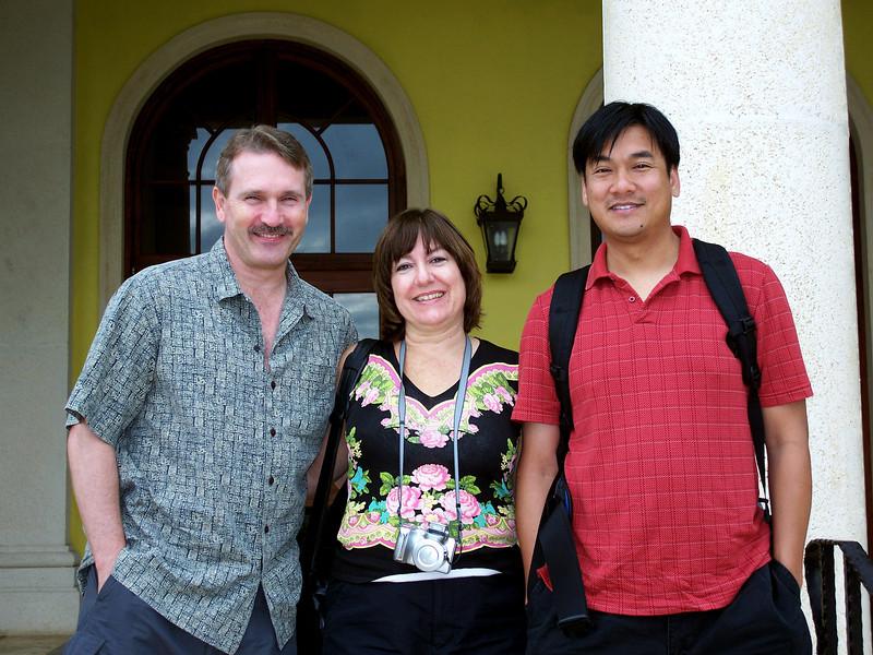 Mark and Vicki Svensen with Chatkan at Sandals Whitehouse