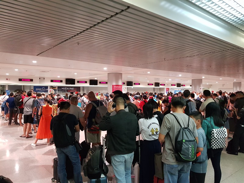 20190726_145233-crowded-immigration.jpg