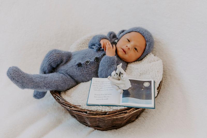 newborn-harrison_13.jpg