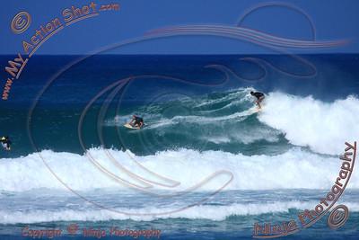 <font color=#F75D59>2010_12_08 (11-12am) - Surfing Laniakea, NORTH SHORE</font>