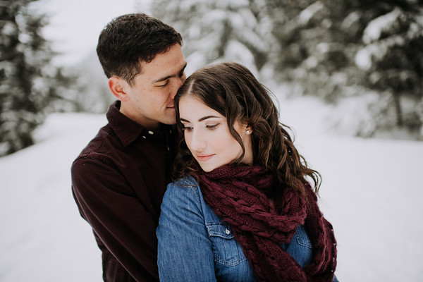 Seattle Snow Engagement | Ian and Katy | Seattle Wedding Photographer