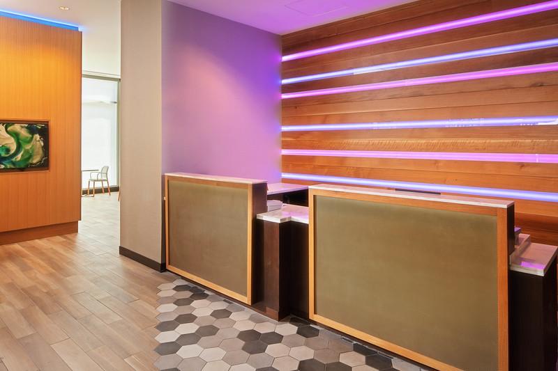6-lobby.jpg