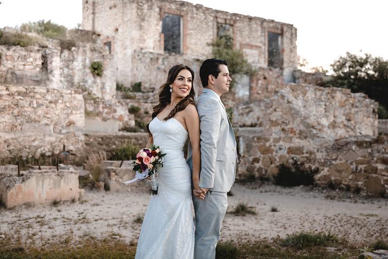 P&H Trash the Dress (Mineral de Pozos, Guanajuato )-65.jpg