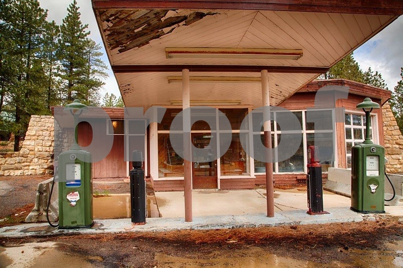 Bryce Lodge, gas stat. 7798_HDR.jpg