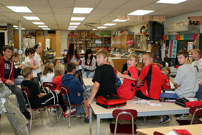 Middle School Classes - 2009-2010 - 9/25/2009 8th Grade Hallway Classes