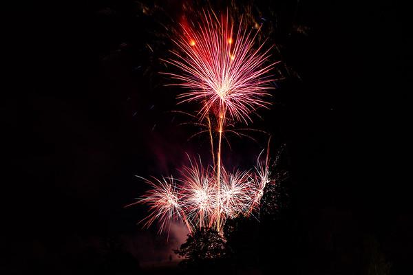 2018 - Dunorlan Park Fireworks 024_