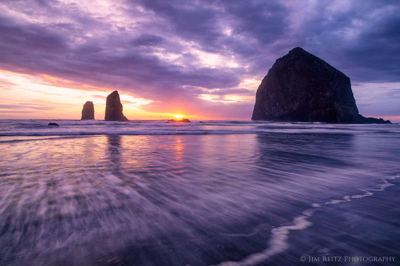 Cannon Beach sunset - Haystack Rock & Needles