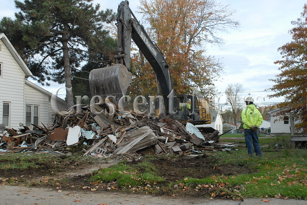 10-31-16 SEcond st house demo