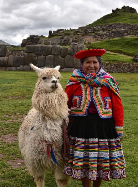 ECQ_5616-Lady-Lama.jpg