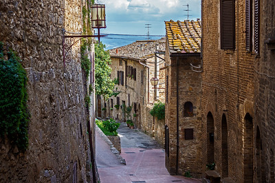 Italy - Tuscan Hilltop Towns of San Gimignano, Greve, and Castellina