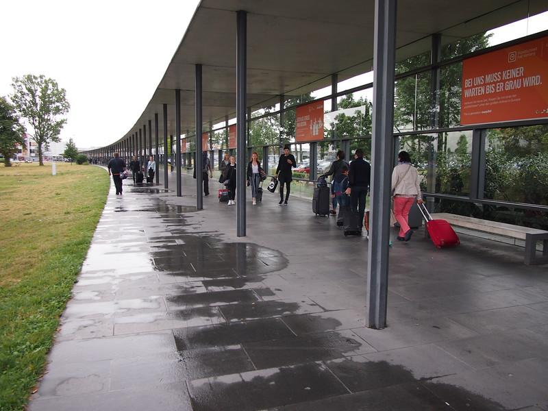 P8288112-walkway-from-bahnhof.JPG