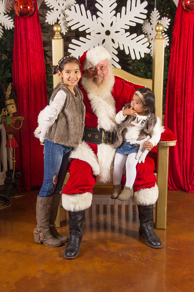 Santa 12-16-17-275.jpg