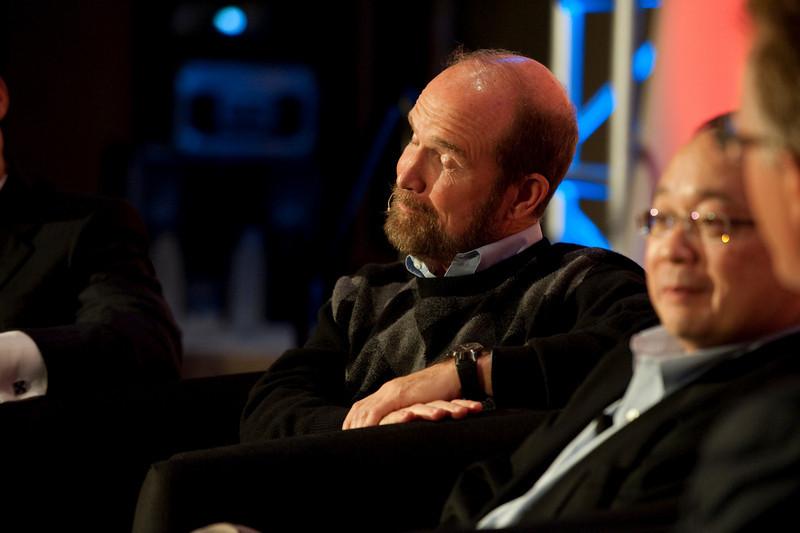 "Dinner Discussion: ""Good Ideas Need Money"": Forest Baskett (L), General Partner, New Enterprise Associates; and Mark Ashida, Partner, OVP Venture Partners"