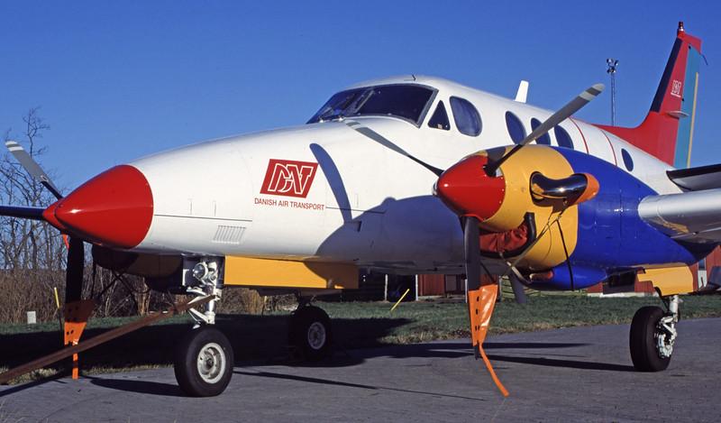 OY-BVS-BeechB90KingAir-DAT-EKVD-1999-12-05-GV-44-KBVPCollection.jpg