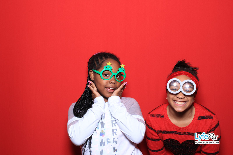 eastern-2018-holiday-party-sterling-virginia-photo-booth-0128.jpg