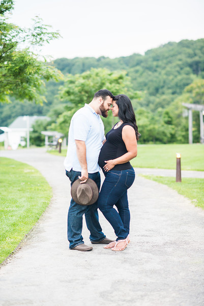 Karina + David Maternity Sweetness