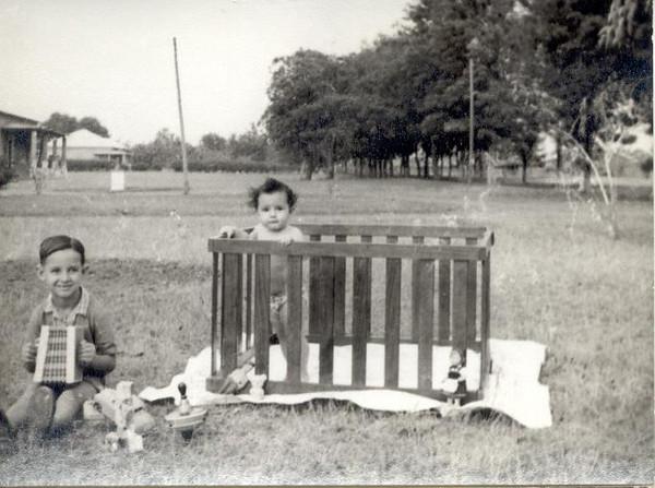 Setembro 1956, Filhos, Enfº Garrido - Vaco e Ana Maria