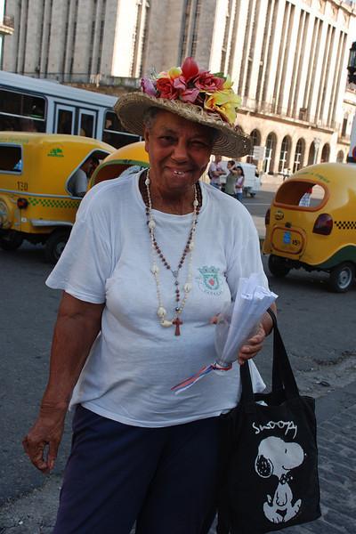 Peanut vendor at Havanna capital building.