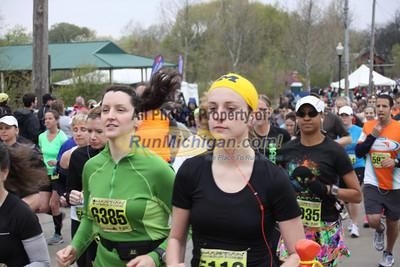 Half Marathon Start - 2012 Martian Invasion of Races