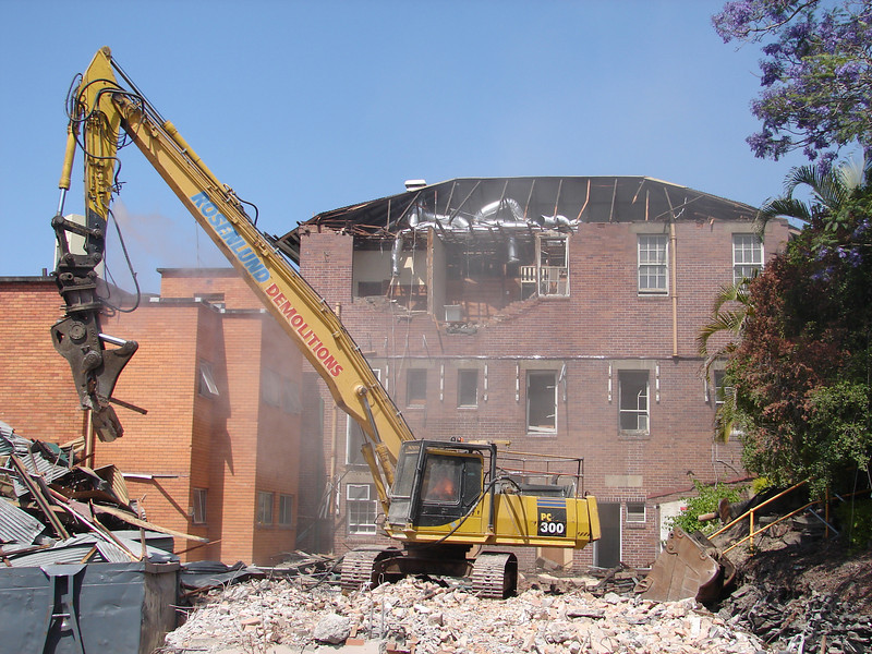 Chaplin Building demolition 011.jpg