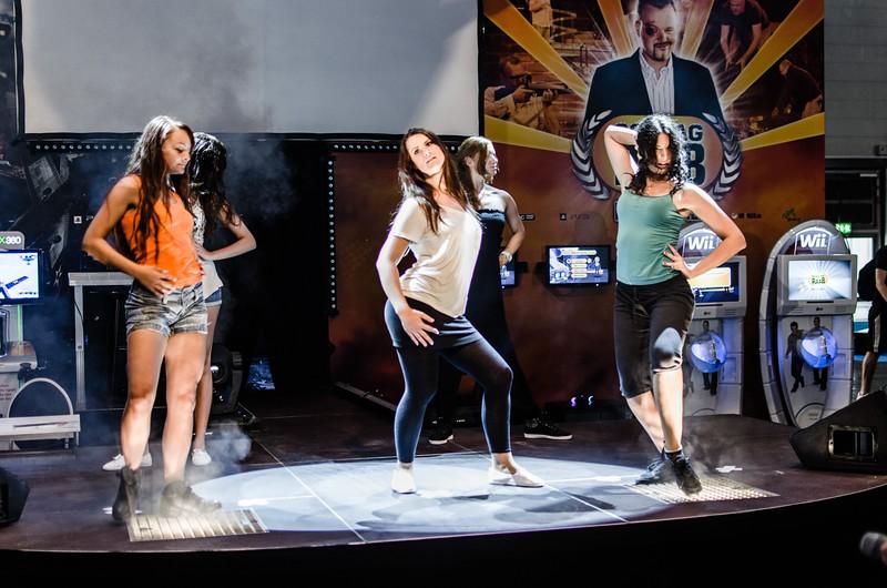 Dacing girls @ Gamescom 2012