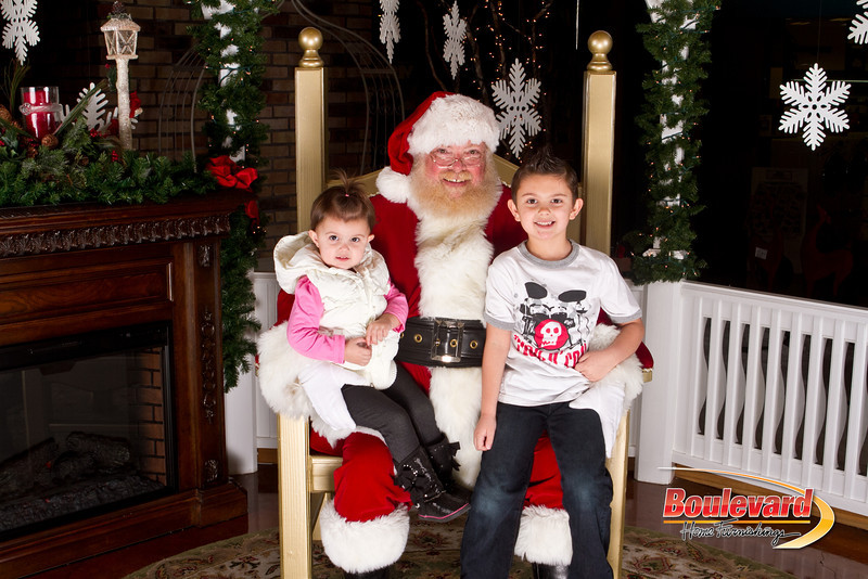 Santa Dec 15-292.jpg