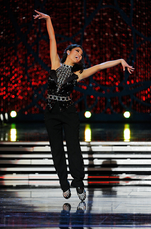 . Alicia Clifton, Miss Oklahoma, competes in the talent competition during the 2013 Miss America Pageant at PH Live at Planet Hollywood Resort & Casino on January 12, 2013 in Las Vegas, Nevada.  (Photo by David Becker/Getty Images)