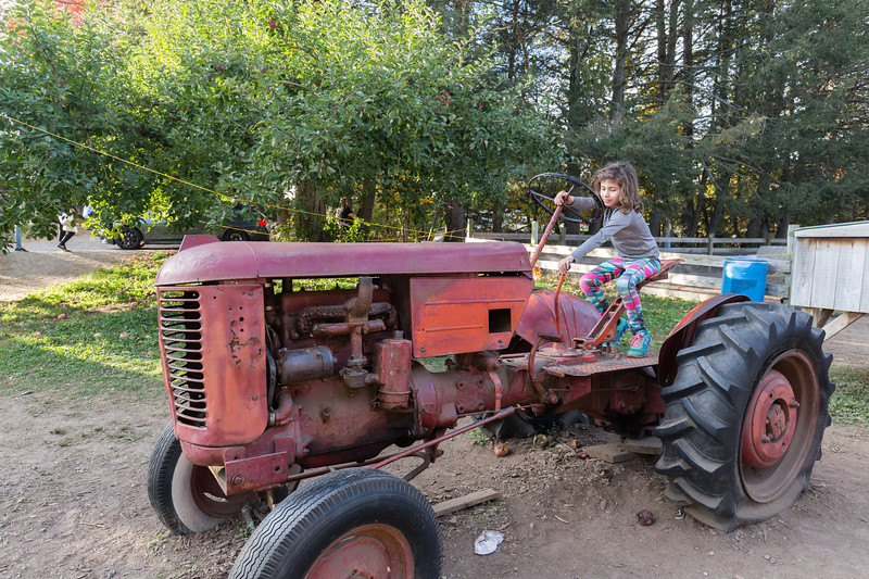 20171022_Apple Picking and other Fun_0101.jpg