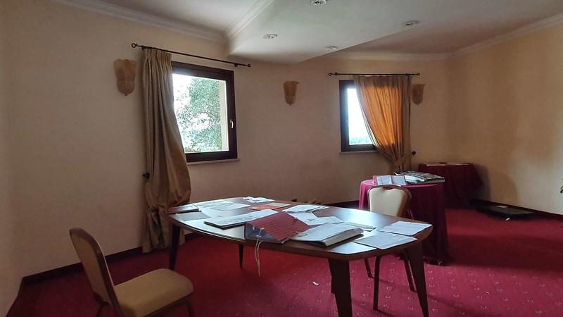 012 -  ROMA DOMUS HOTEL - MEETING ROOM - SMALL.jpg