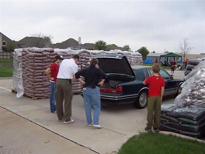 Mulch Delivery 2007-03-24