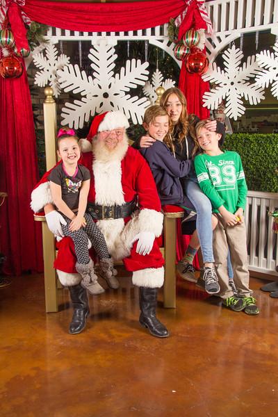 Santa 12-16-17-87.jpg