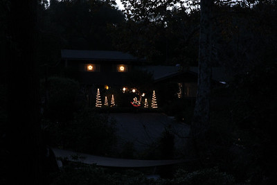 Quiet Hills Christmas lights - 2016