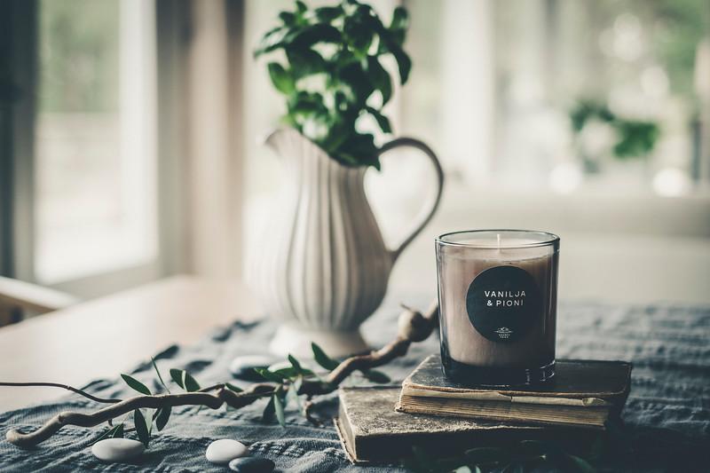 Saaren Taika huonetuoksu tuoksukynttilät sisustus lifestyle (7 of 30).jpg