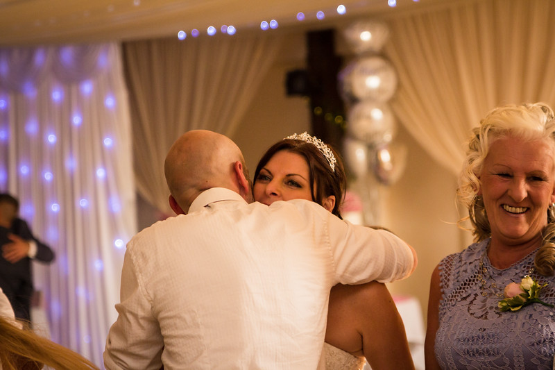 bensavellphotography_wedding_photos_scully_three_lakes (331 of 354).jpg