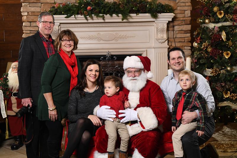Santa2018.TylerBoye.-52.jpg